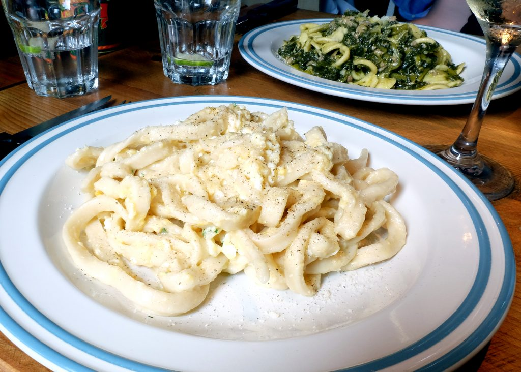 Pastabites dines at Meridionale