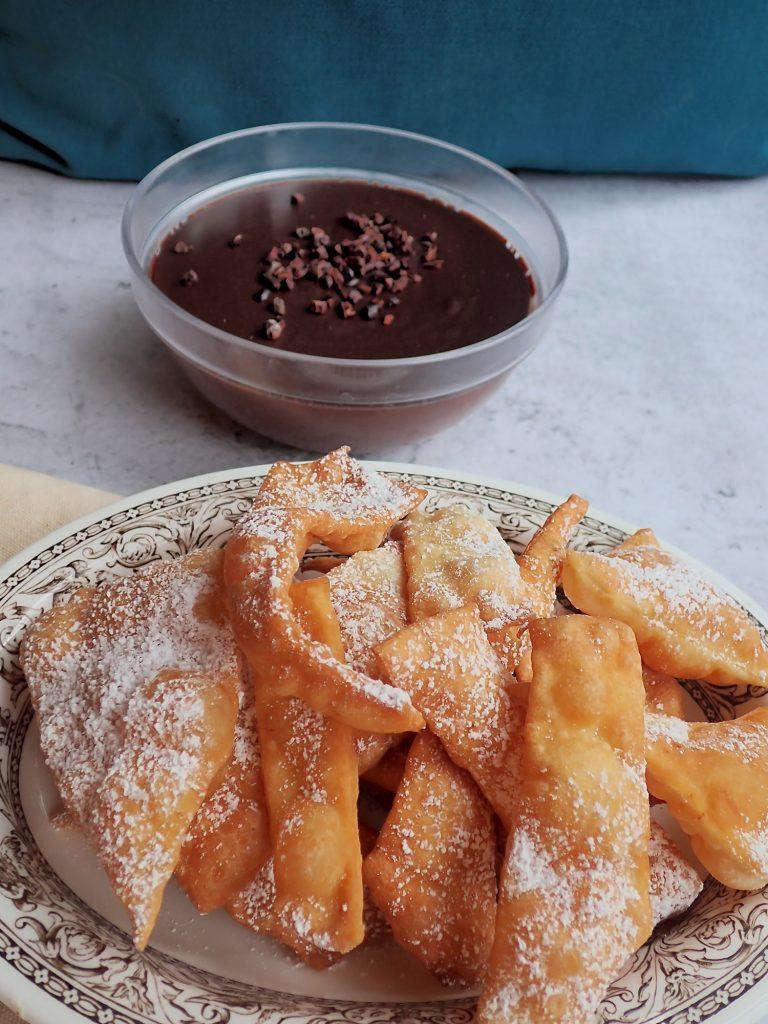 Neapolitan carnival chiacchiere cake